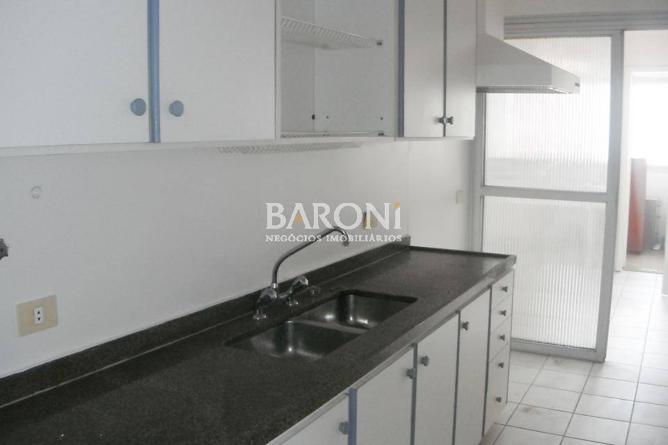 Cobertura Triplex de 4 dormitórios à venda em Itaim, São Paulo - SP
