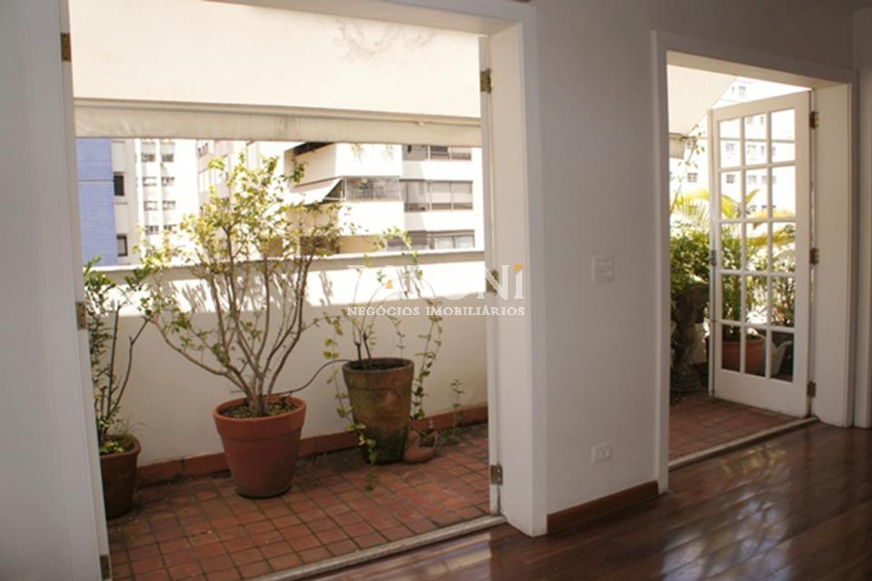Cobertura Triplex de 4 dormitórios à venda em Jardim América, São Paulo - SP