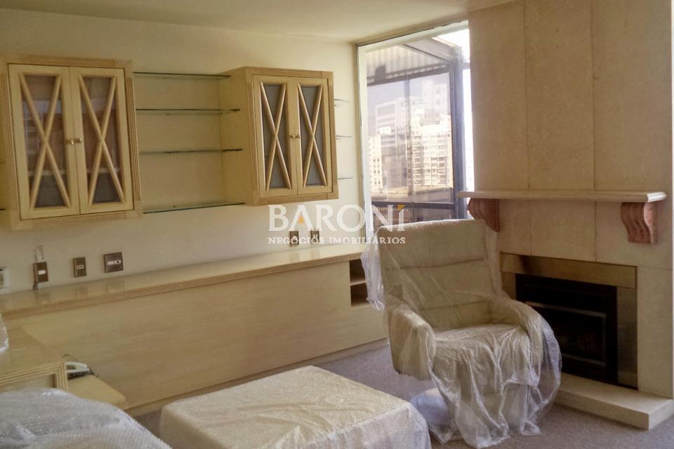 Cobertura Triplex de 4 dormitórios em Jardim Europa, São Paulo - SP