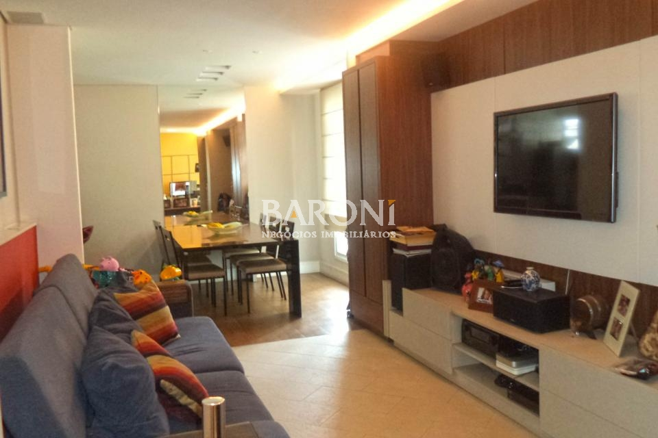 Apartamento de 2 dormitórios à venda em Itaim, São Paulo - SP