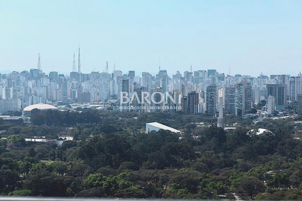 Cobertura Duplex de 3 dormitórios em Moema, São Paulo - SP