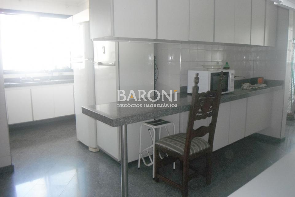 Cobertura Duplex de 4 dormitórios à venda em Moema, São Paulo - SP
